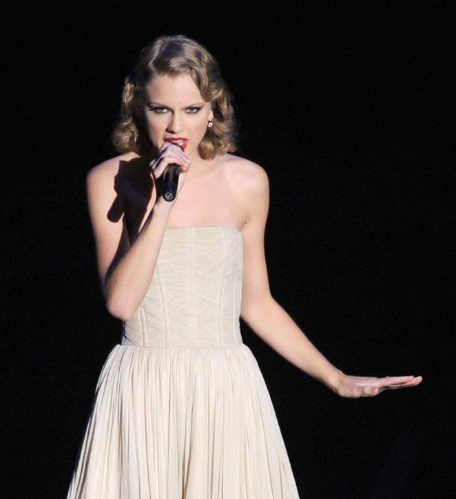 The Debrief: Taylor Swift's Fight Scenes
